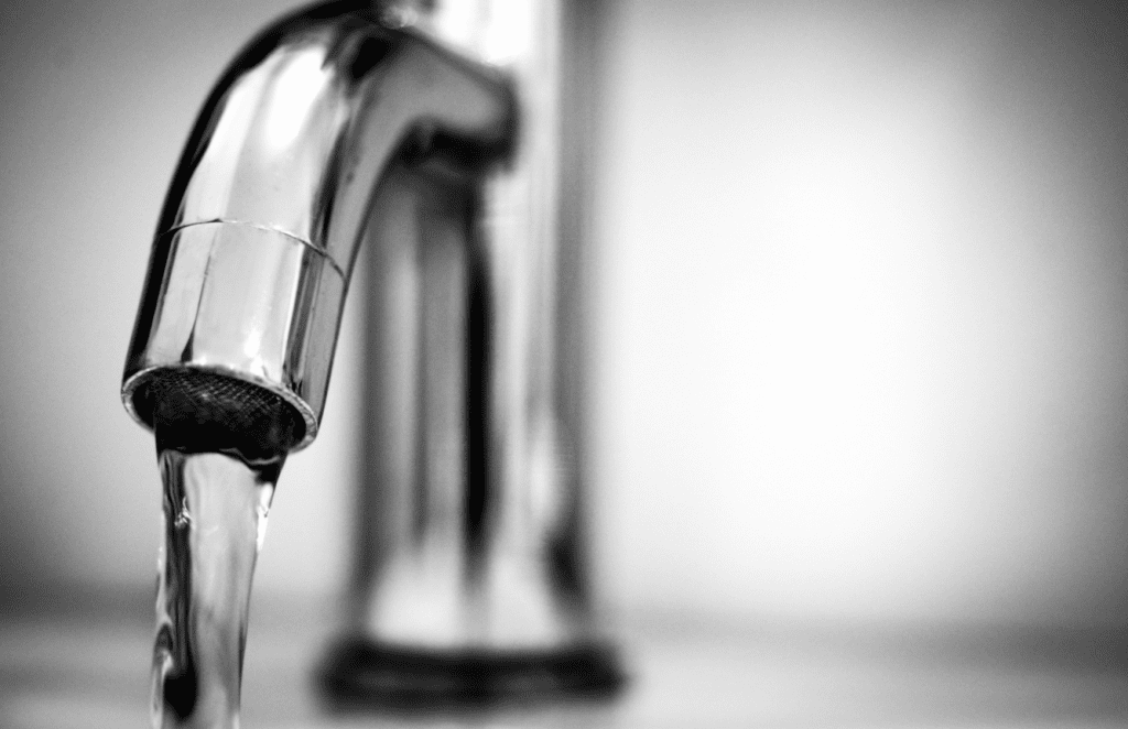 7 WAYS TO REDUCE WATER COSTS AT HOME